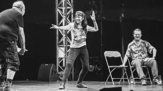 Suki on stage bw 16 9